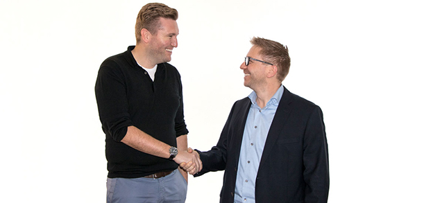 Christopher Sommer, Prokurist und Director Production and Technology bei Elanders Germany zusammen mit Thomas Heil von Horizon